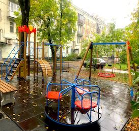 июль 2019 г. Детская площадка Комосомольский проспект, 88
