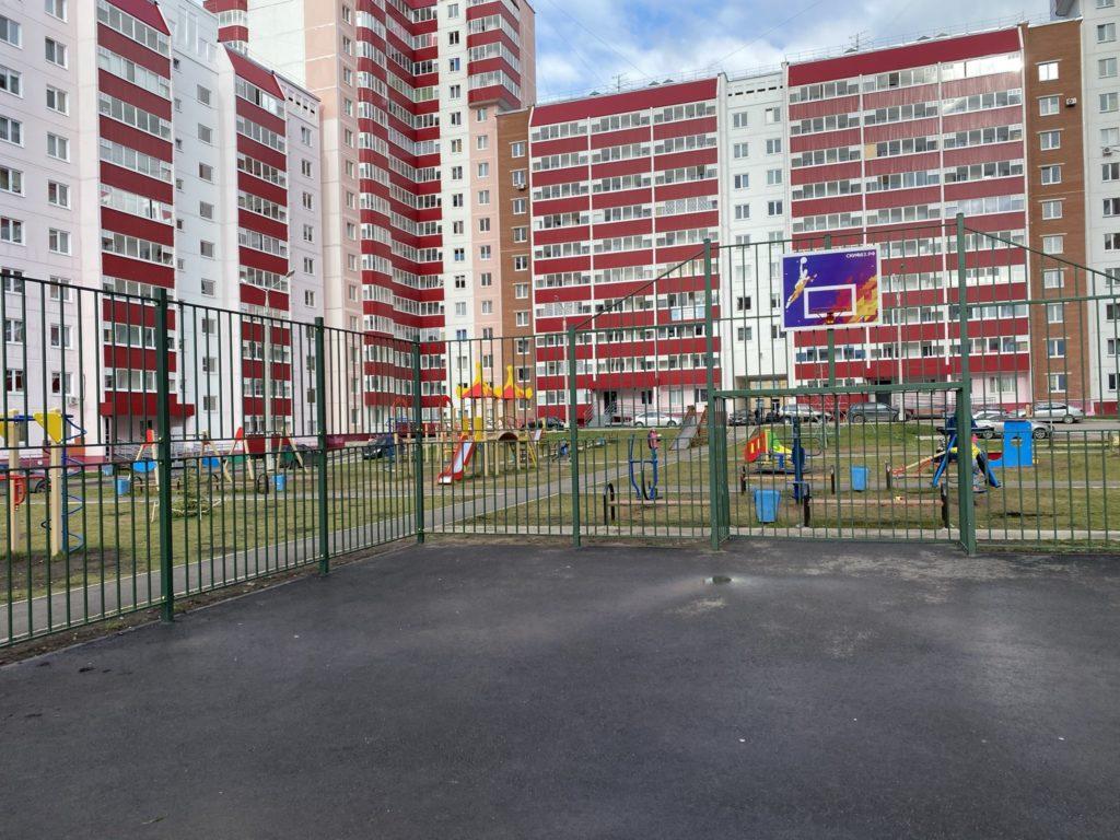 Универсальная спортивная площадка 3